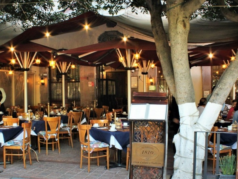 Alistan restauranteros protocolos para reactivar el sector