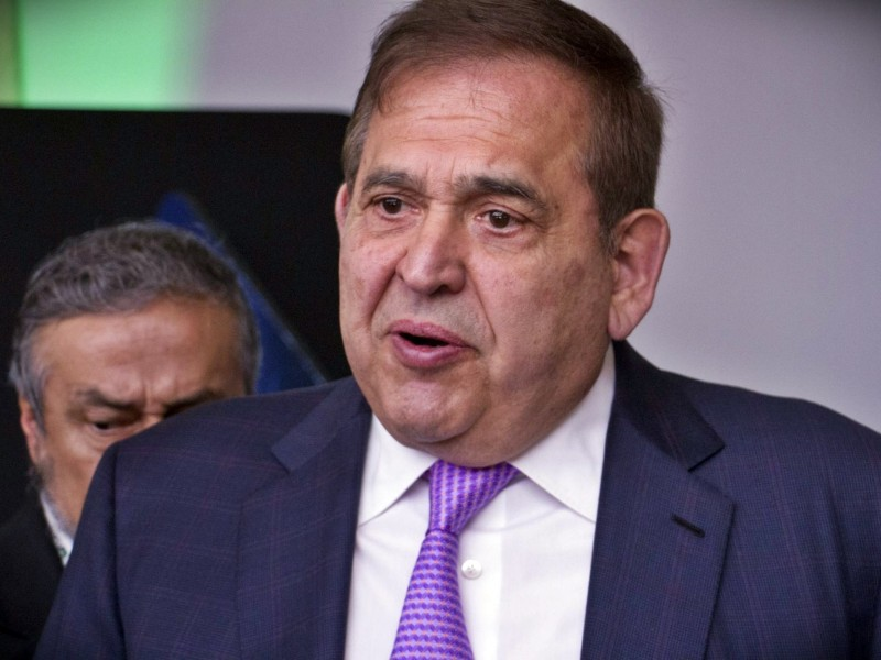 Alonso Ancira llega a México para enfrentar cargos por corrupción