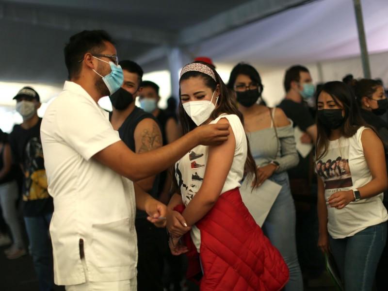 Alta demanda de los jóvenes agota las vacunas en CDMX