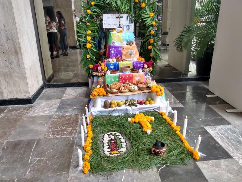 Altos costos de altares no impiden tradición