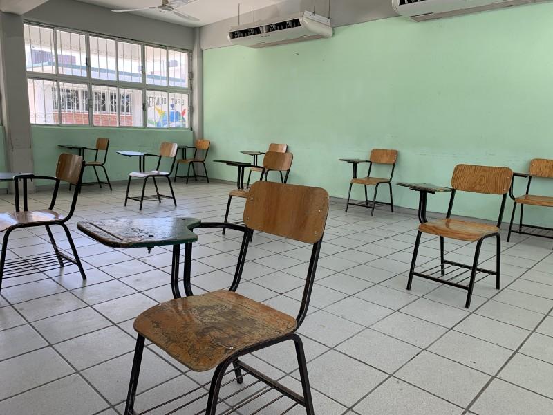 Alumnos consideran indispensable la vacunación para el regreso a clases