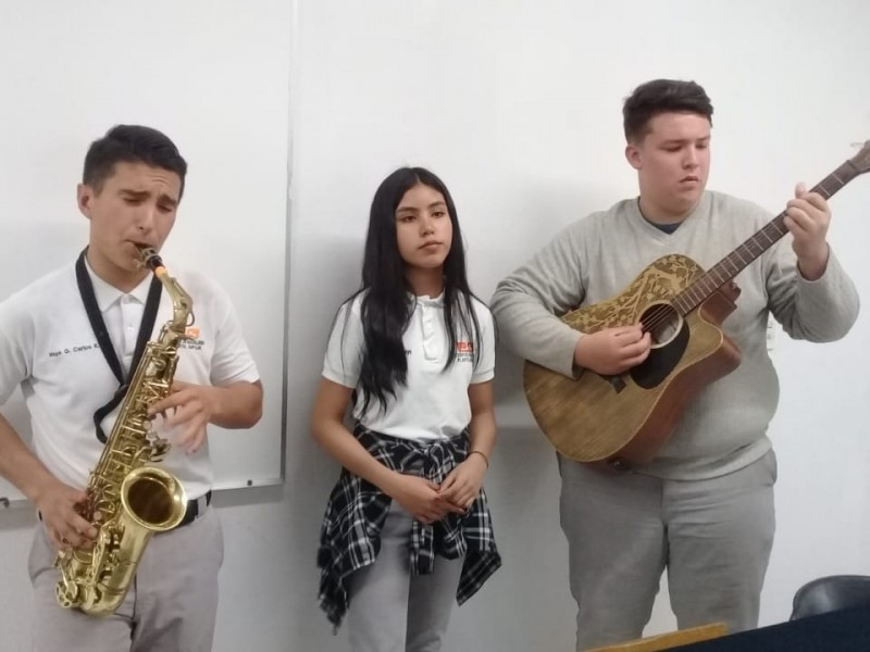 Alumnos de COBACH participarán en concurso de canto