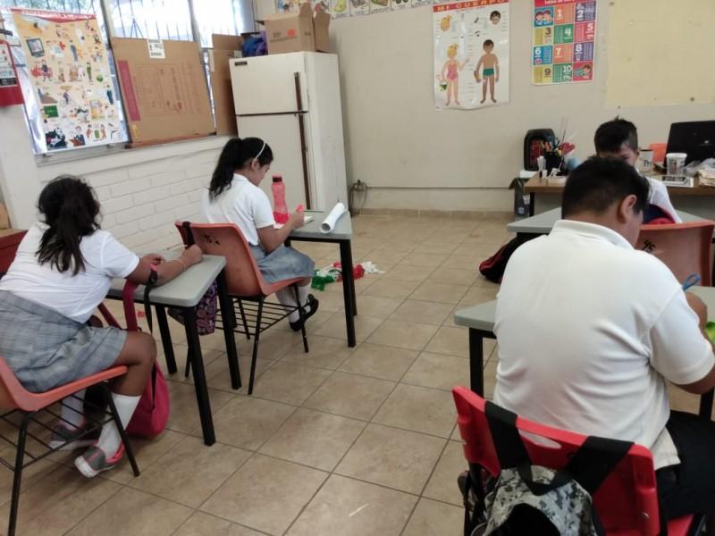Alumnos especiales reciben educación integral