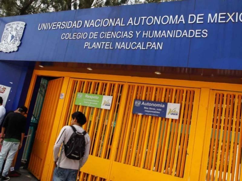 Alumnos recuperan pacíficamente CCH Naucalpan