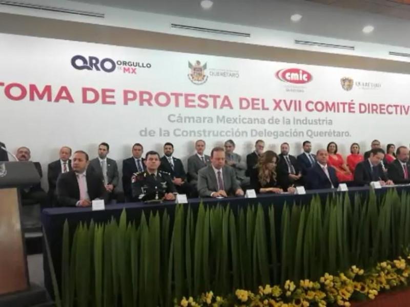 Alvaro Ugalde toma protesta a dirigencia CMIC