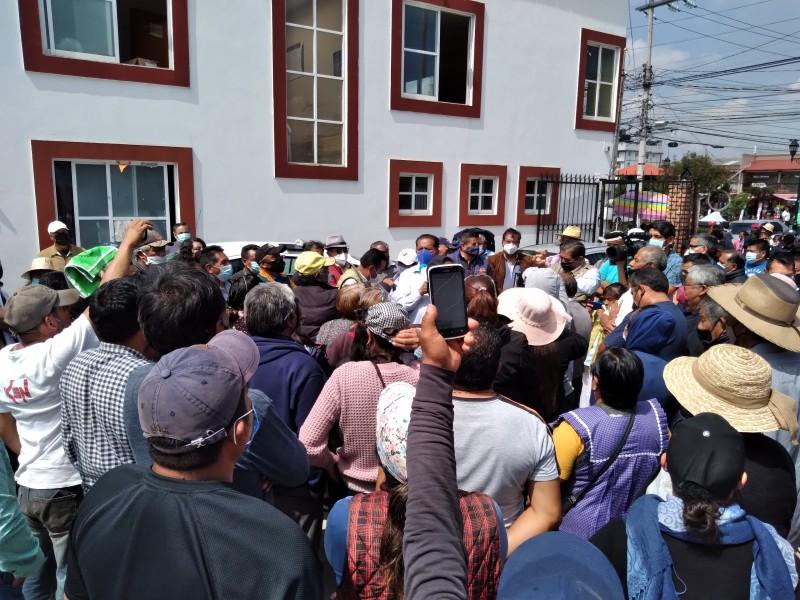 Amagan con cerrar Bulevar Aeropuerto por falta de obra pública