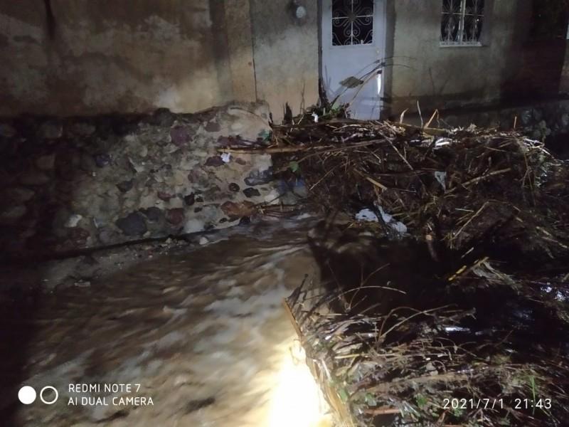 Amatlán de Cañas y Ahuacatlán sufren afectaciones por lluvias