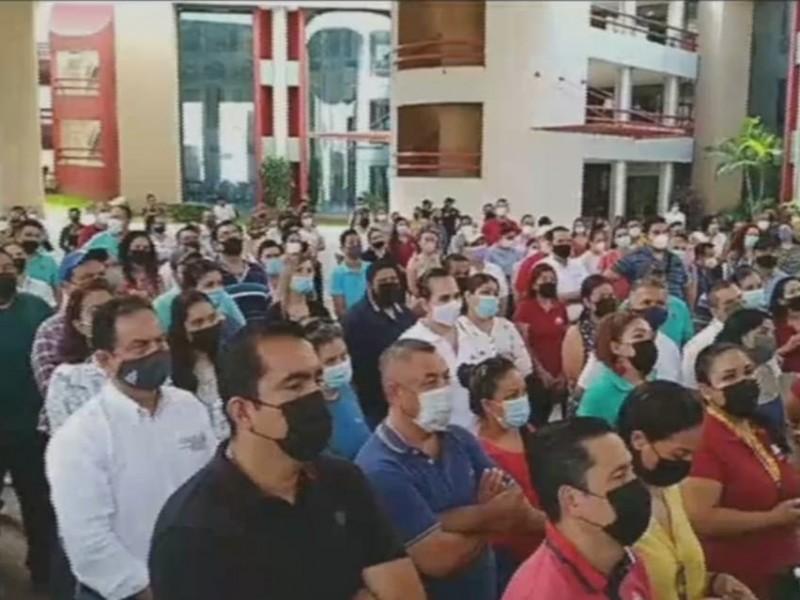 Amenazan con denuncia penal si gobierno no paga a trabajadores