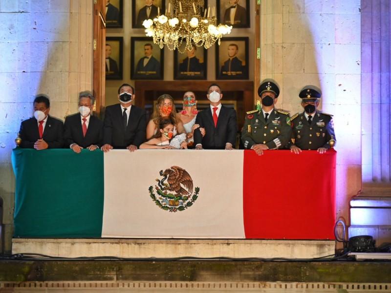 AMH conmemora 211 Aniversario de la Independencia de México