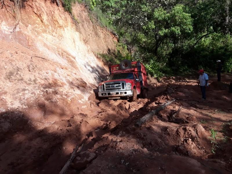 AMLO anuncia construcción de caminos en La Yesca