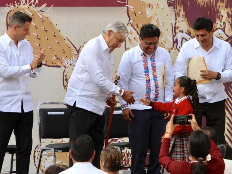 AMLO conmemora natalicio de Benito Juárez
