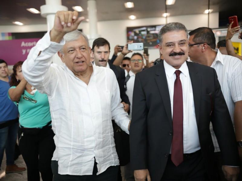 AMLO llega a Jalisco para reunión con gobernador
