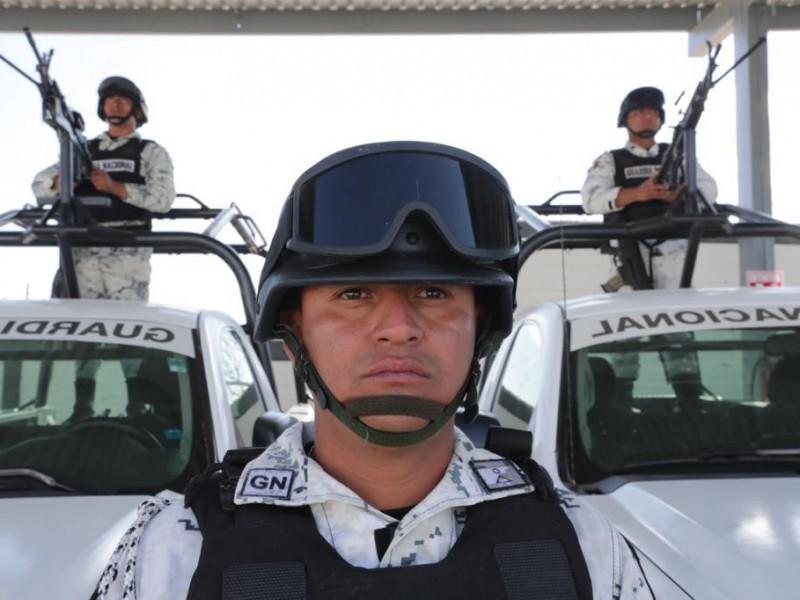 """AMLO pide apoyo a la GN en """"tiempos difíciles"""""""