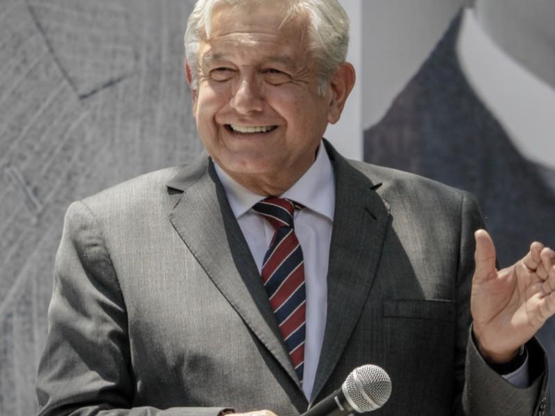 AMLO podría recibir banda presidencial en el Zócalo