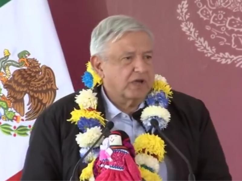 AMLO se reúne con indígenas de Amealco