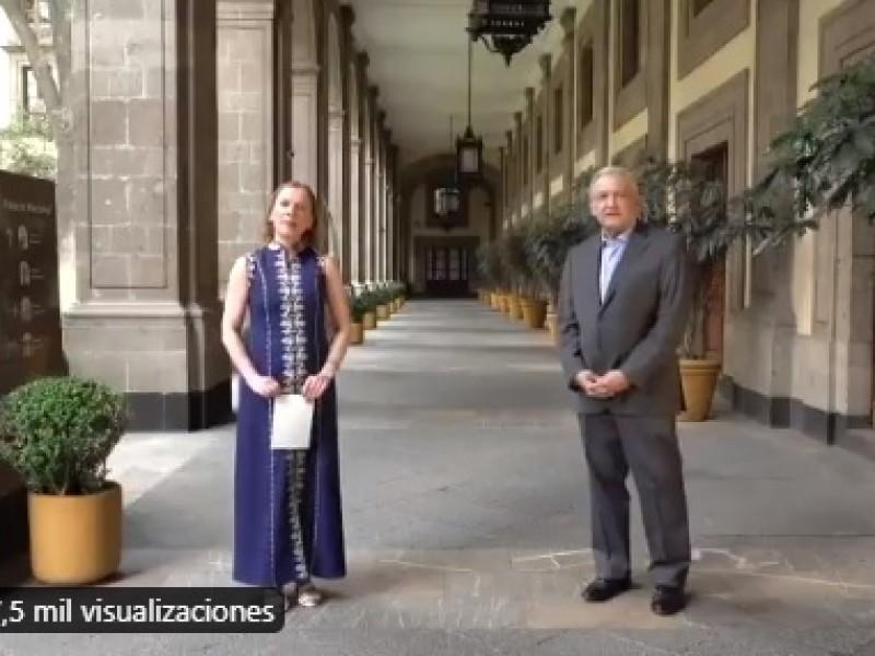 AMLO y Beatriz Gutiérrez Müller felicitan a las mamás