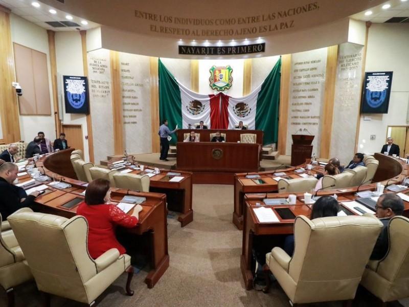Amparo frena desafuero del Magistrado Raymundo García