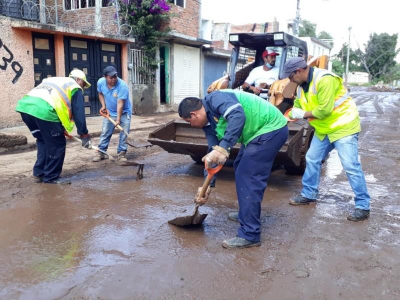 Amplían tareas de limpieza en colonias damnificadas