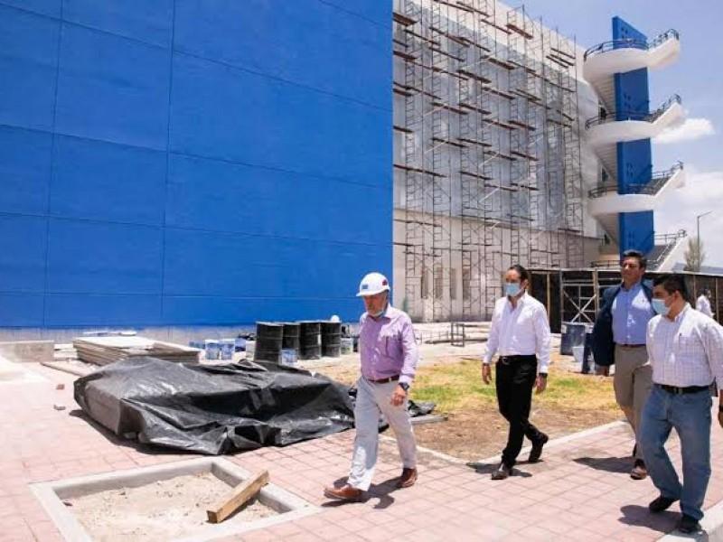 Analizan autoridades quién hará el equipamiento del Hospital General