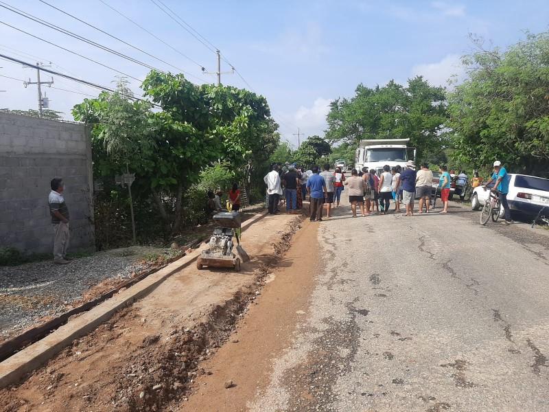 Andador peatonal causa división en comunidades de Tehuantepec