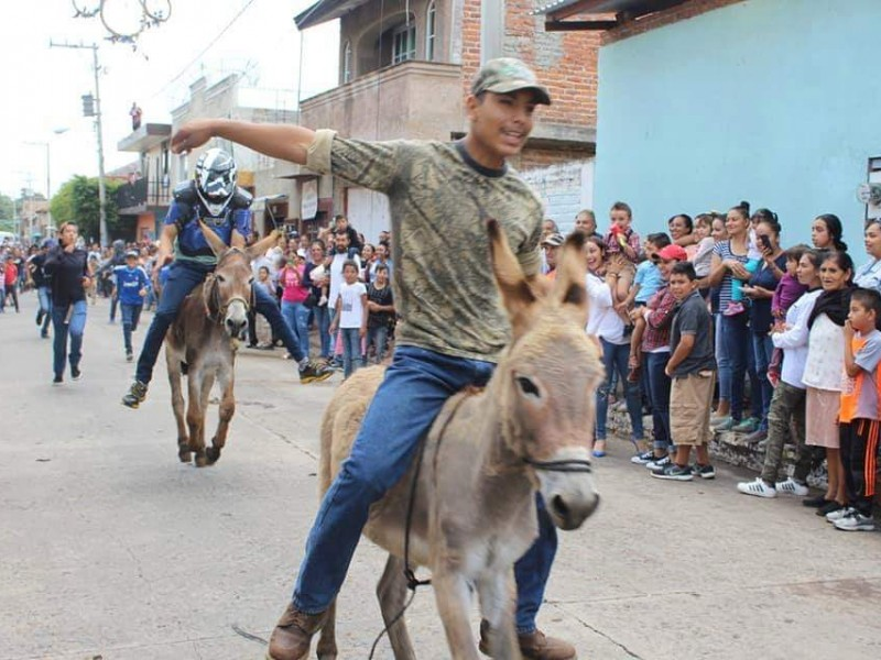 Animalistas piden alto a las carreras de burros