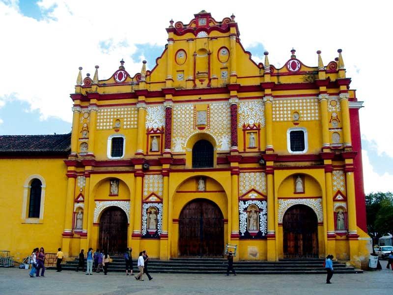 Ante pandemia sin presencia de creyentes en iglesias de Chiapas