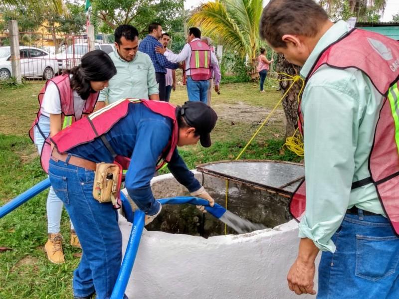 Ante pozos contaminados en escuelas, despliegan saneamiento