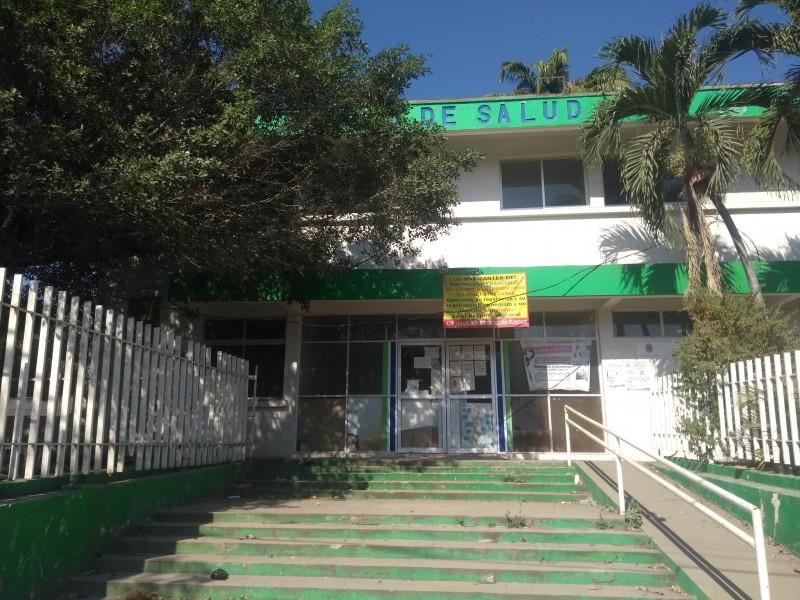 Antiguo centro de salud en el abandono