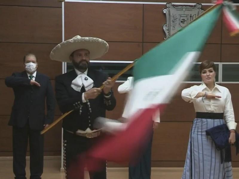 Antonio Echevarria celebra su último Grito de Independencia como Gobernador