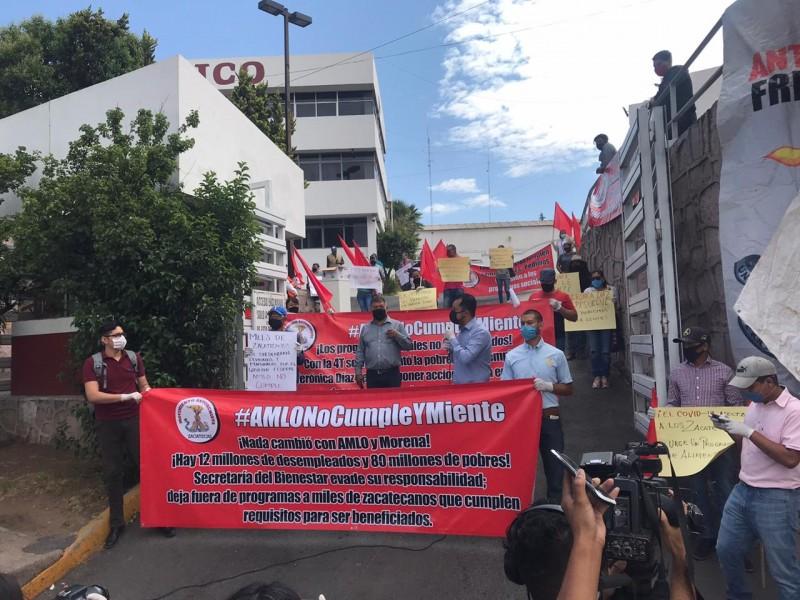 Antorchistas se manifestaron en la Secretaría del Bienestar