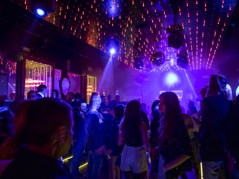 Antros y bares deben respetar aforo del 30 al 50%