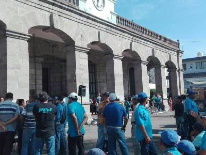 Anuncia Ayuntamiento Tepic pago de prima vacacional y recorte presupuestal