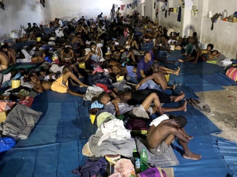 Anuncia Italia centros de reclusión para inmigrantes indocumentados