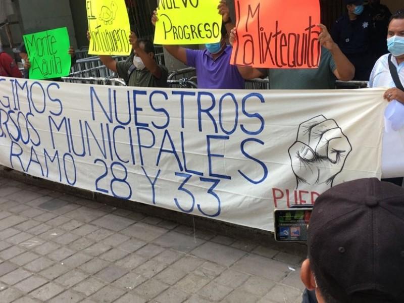Anuncian bloqueo habitantes de San Juan Mazatlán Mixe