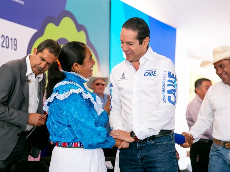 Anuncian obras para 43 comunidades de Amealco