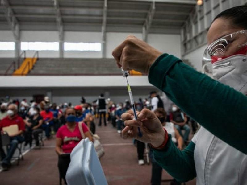 Anuncian vacunación contra Covid-19 para docentes de Oaxaca