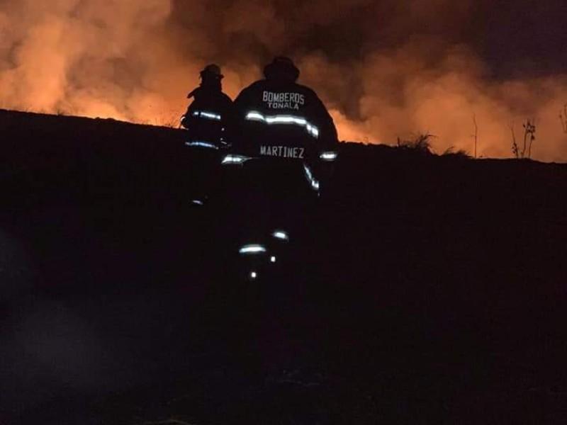 Apagan dos incendios en basurero de Matatlán; multan a Caabsa