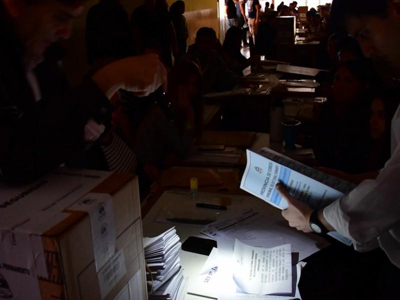 Apagón deja sin luz a Argentina y Uruguay