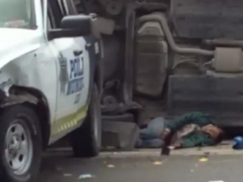 Aparatoso accidente de patrulla deja a detenido muerto en León