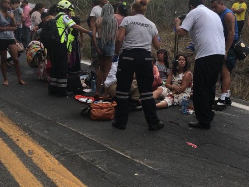 Aparatoso accidente en la carretera federal 200