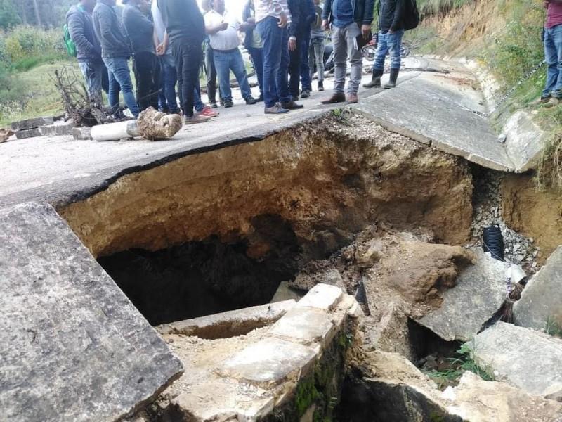 Aparece socavón en San Juan Chamula