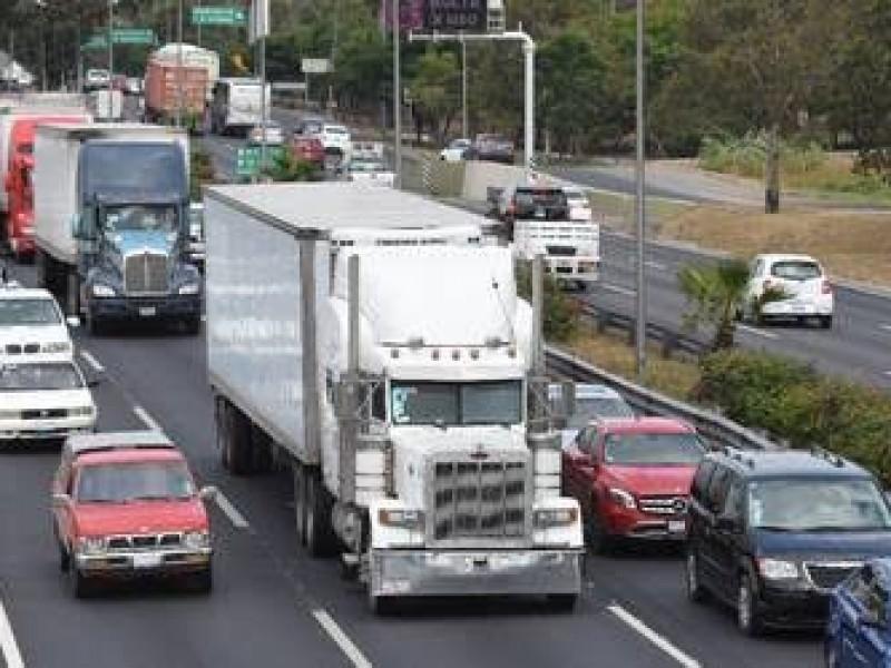 Aplazan restricción de transporte pesado en la capital por COVID-19
