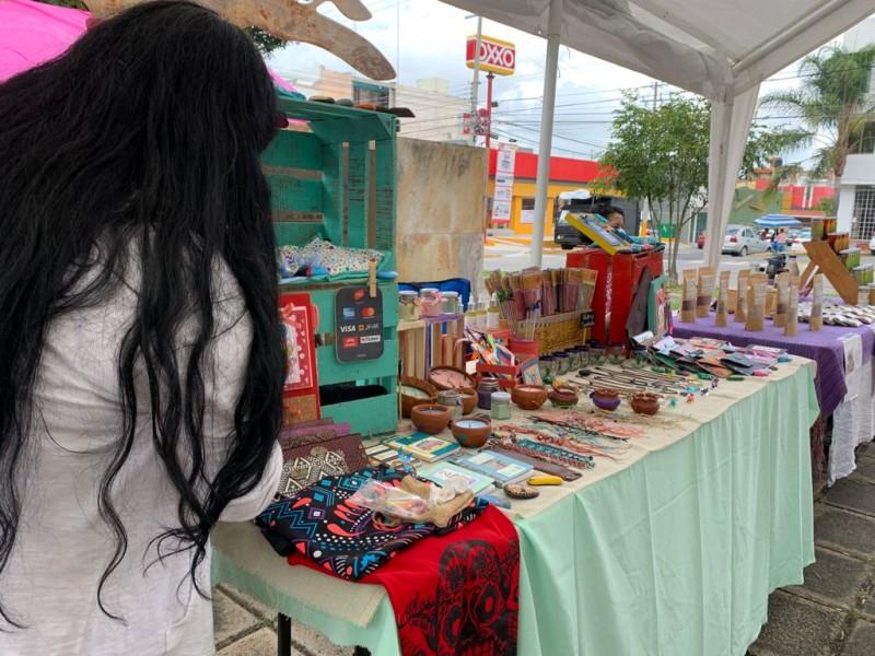Impulsan a emprendedoras morelianas en bazar en Boulevard