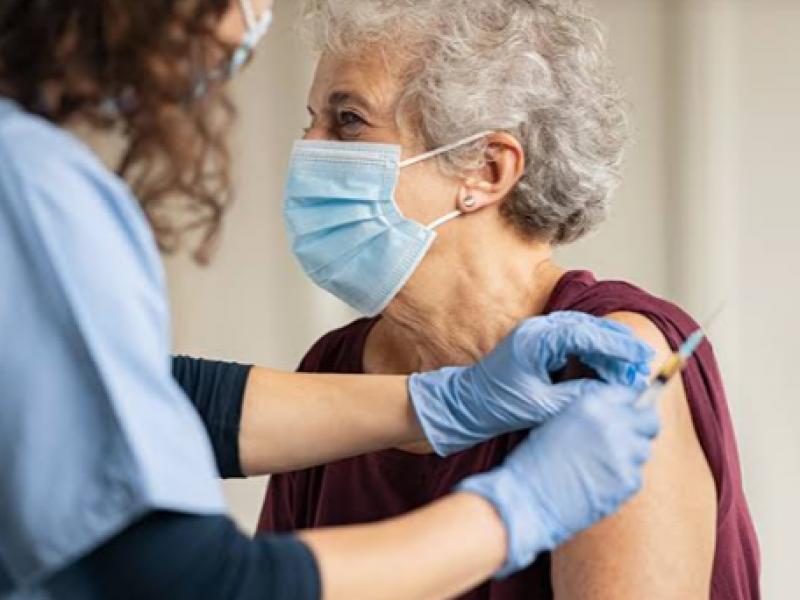 Aplican cerca del 74% de vacunas en primer día.