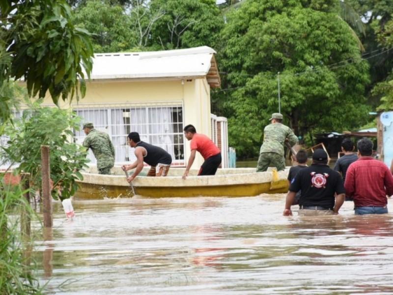 Aplican Plan DN-III-E en Veracruz por inundaciones