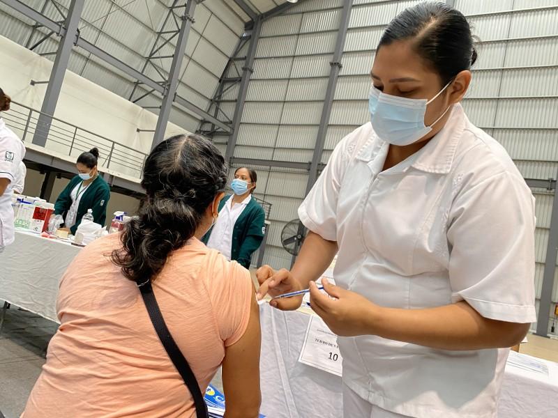 Aplican segundas dosis contra covid en 19 municipios veracruzanos