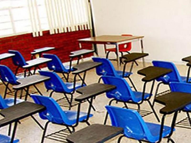 Apoyan maestros en trancisión escolar