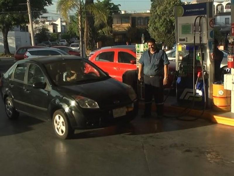 Aprovechan gasolina hasta en $18.58 el litro en Guadalajara