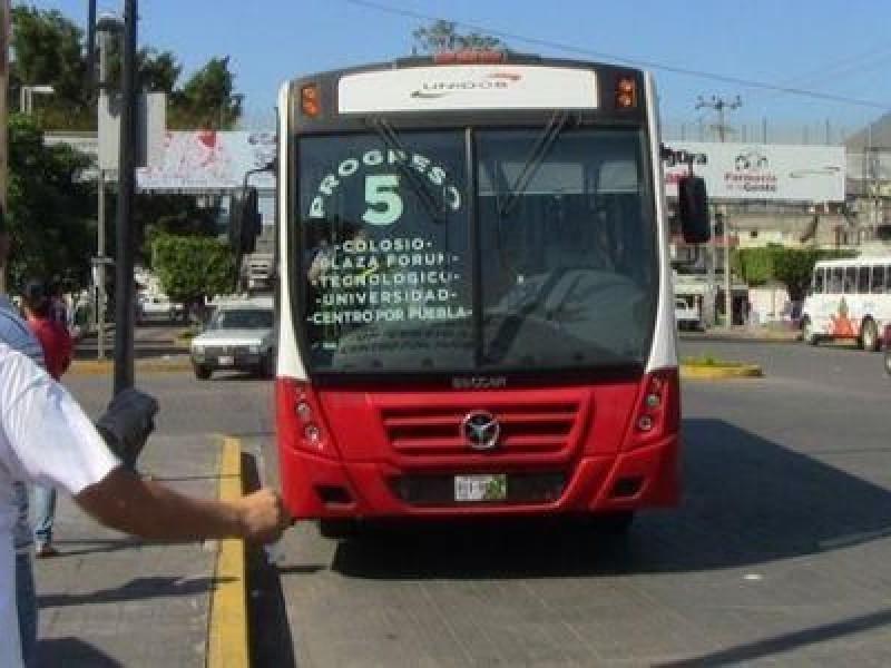 Aprueban choferes de transporte Público el uso obligatorio de cubrebocas