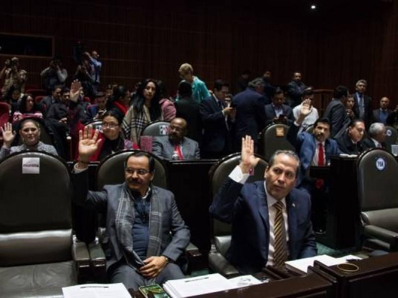 Aprueban diputados reforma para reelegirse
